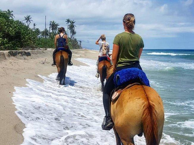 Perjalanan Menunggang Kuda di Kolombia